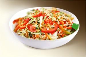 "Салат ""Панагюрский"" (капуста, сл.перец, морковь, помидор, зелень, р-м) 150 г"