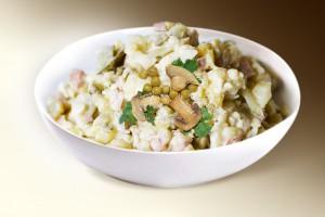 Салат «Ришелье» (колбаса в/к, картофель, грибы, лук, горошек, м-з) 150 г