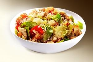 Салат «Жанна» (филе кур., помидор, сл.перец, сухарики, специи, м-з) 150 г