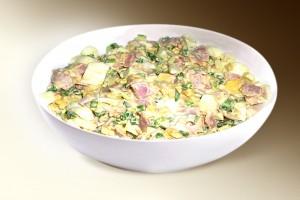 Салат «Влажский» (ветчина, картофель, яблоки, сол.огурец, яйцо, горошек, специи, м-з) 150 г