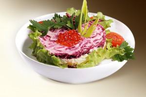 Салат «Мороз» (картофель, свекла, лук, сельдь, м-з) 150 г