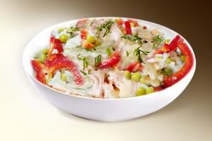Салат «Рисовый с ветчиной» (рис, ветчина, сл.перец, яйцо, горошек, помидор, м-з) 150 г
