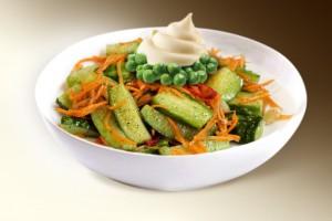 Салат «Морковь с огурцом» (морковь, огурец, горошек, м-з) 150 г