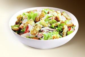 Салат «Премиум» (ветчина, грибы, лук, сыр, помидор, сухарики, м-з) 150 г