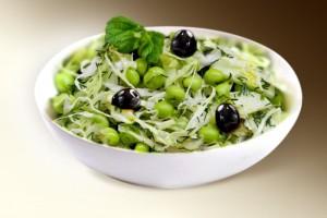 """Салат """"Зеленый"""" (капуста, огурец, оливки, горошек, р-м) 150 г"""