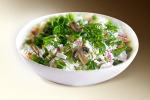"""Салат """"Викинг"""" (краб мясо, грибы, лук, огурец, рис, м-з) 150 г"""
