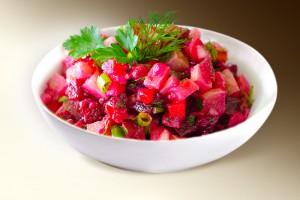 "Салат ""Неаполитанский"" (карт, морковь, свекла, курица, сол. огурец, м-з) 150 г"