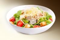 """Салат """"Цезарь"""" ( салат,курица., помидор, сыр, сухарики, маслины, м-з) 150 г"""