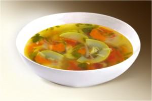 Суп «Куриный с кабачками» (куры, кабачки, помидоры, лук, морковь, картофель, чеснок, майоран, специи) 300 г