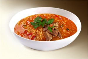 Суп «Харчо» (рис, говяд., морковь, лук, томат, аджика, специи, зелень) 300 г