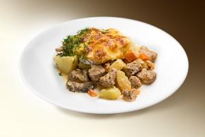 Жаркое с куриной печенью и желудков (картофель, лук, морковь, печень кур., желудки кур., специи, томат, чеснок) 250 г