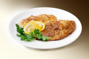 Треска, запеченная с луком (филе трески, лук, майоран, розмарин, сыр, специи) 120 г