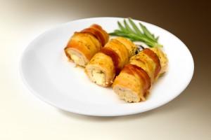 Грудка цыпленка с ветчиной и сыром (филе кур, ветчина, сыр, специи) 120 г